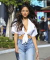 Eiza-Gonzalez-out-shopping-in-West-Hollywood--01.jpg